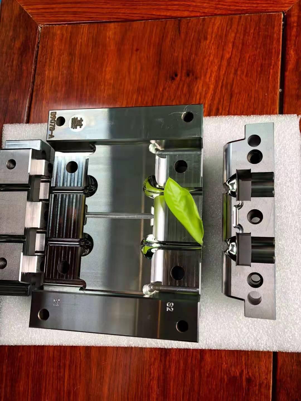 五轴CNC镜面加工-蓝牙耳机
